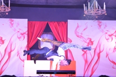 acrobati jolly animation show villaggi